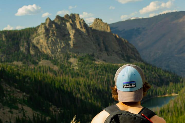 Man overlooks American mountains
